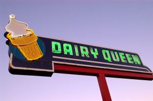 800px-Ottawa_neon_Dairy_Queen_sign