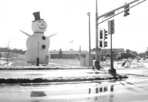 Hwy36-snowman